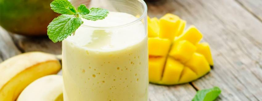 15 Refreshing Smoothies You Can Whip Up in Minutes