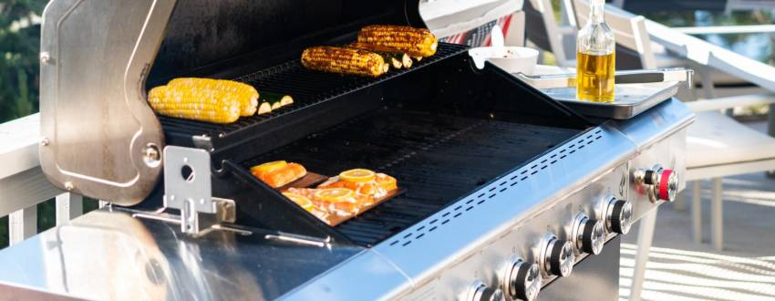 Can I BBQ Fish and Meat on the Same Grill?