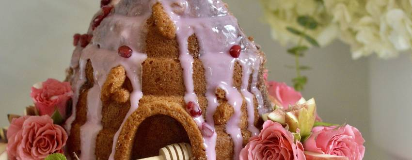 Make This Beautiful Beehive Cake For Rosh Hashanah! (With How-To Video!)