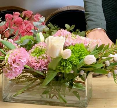 How to Create a Beautiful Flower Arrangement on a Budget