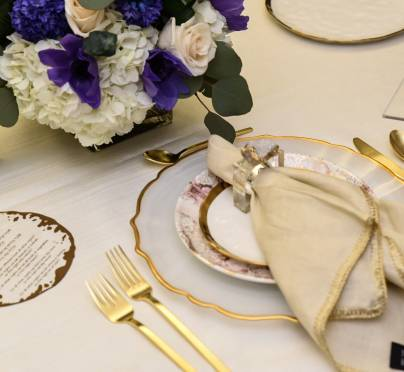 How to Set a Regal Seder Table Using Gold Accents