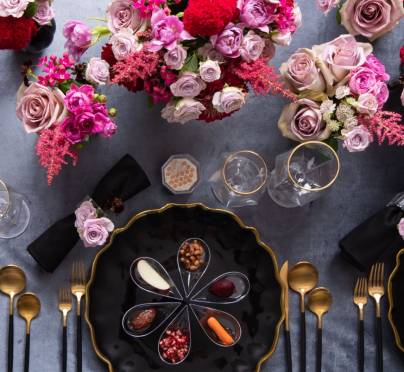 Set Your Rosh Hashanah Table with an Elegant Flair: A Black and Pink Theme with Personalized Simanim
