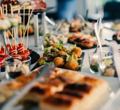 How NOT to Overeat at a Buffet