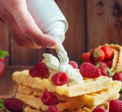 Is It Permissible to Use Spray Whipped Cream from a Can on Shabbat?