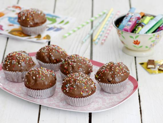 4-Ingredient Chocolate Muffins
