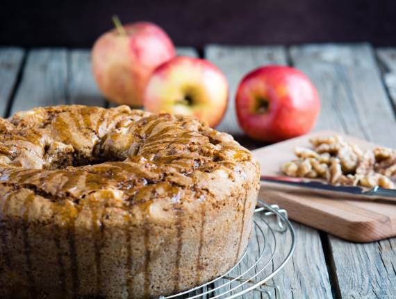 Delicious Classic Apple Cake