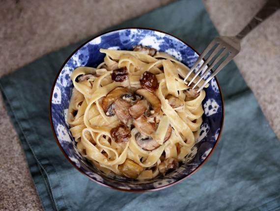 Fettuccine Alfredo with Chestnuts and Mushrooms