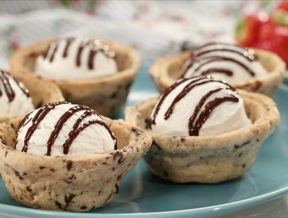 Chocolate Chip Cookie Ice Cream Bowls
