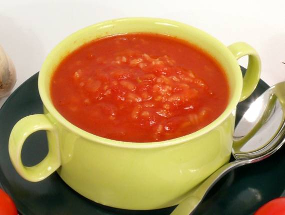 Fast and Easy Tomato and Rice Soup