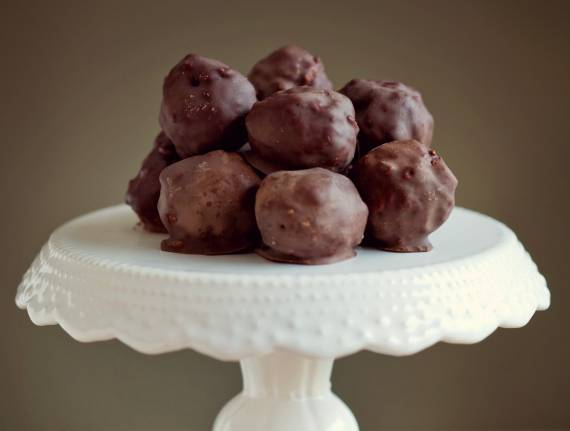 Chocolate-Dipped Peanut Balls