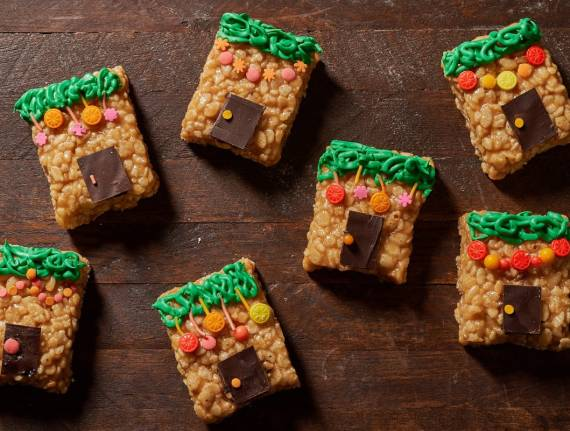 How To Make These Adorable Peanut Chew Sukkahs