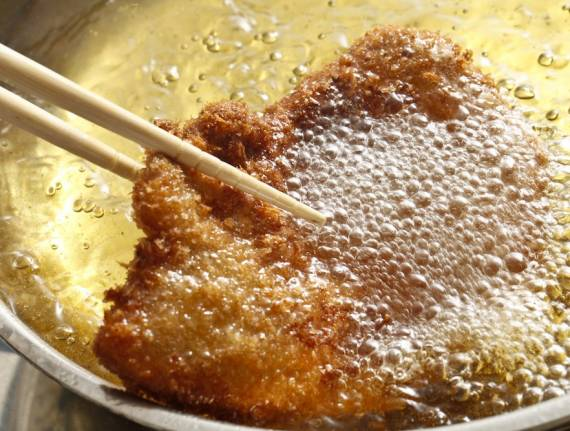 8 Tips for Frying Safely this Chanukah