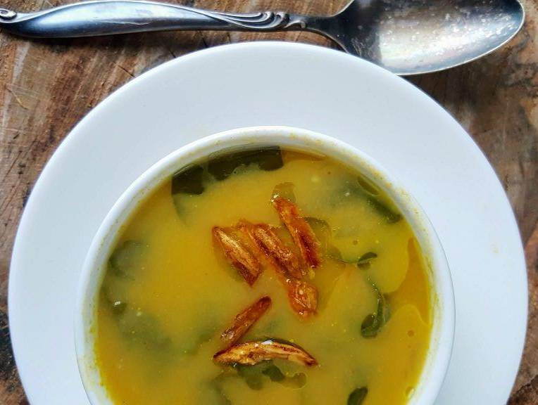 Cannellini Bean and Green Soup