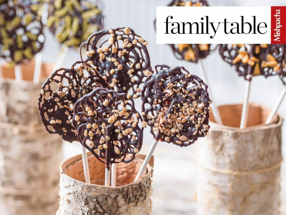 Chocolate Lacy Lollipops