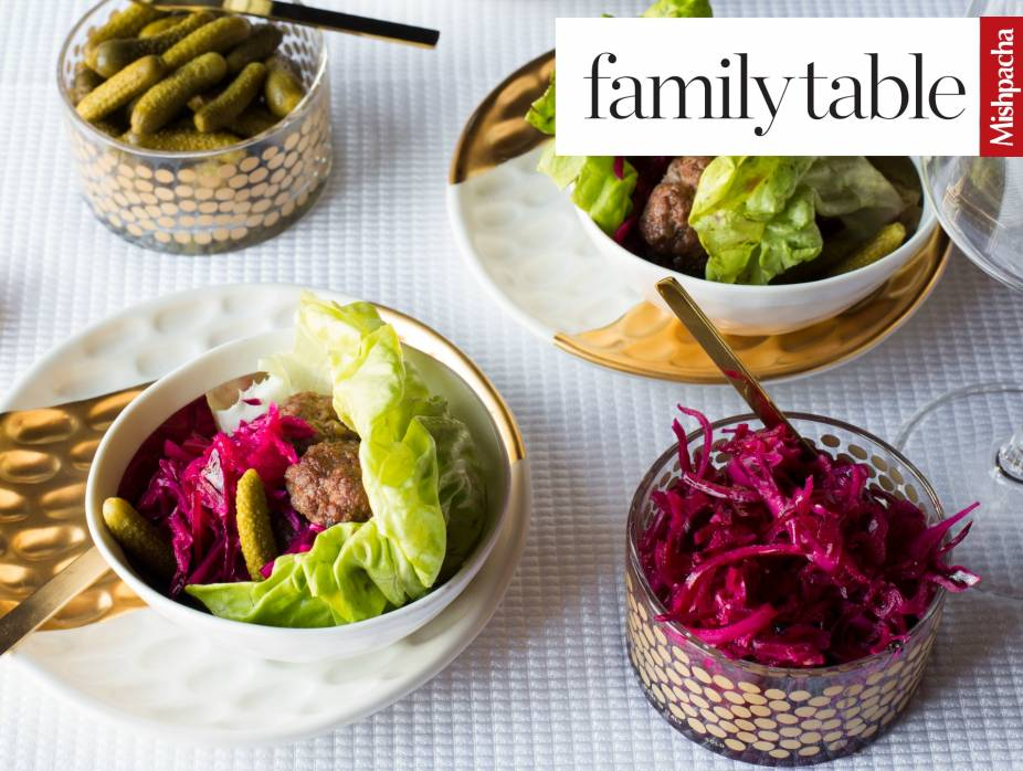 Burger Lettuce Wraps with Pickled Cabbage and Onions