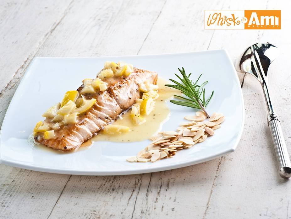 Grilled Salmon in White Wine Sauce