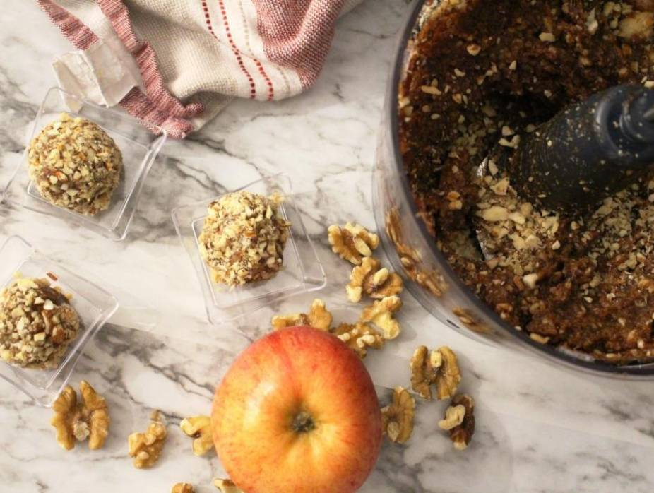 The Best Homemade Moroccan Charoset You'll Ever Make