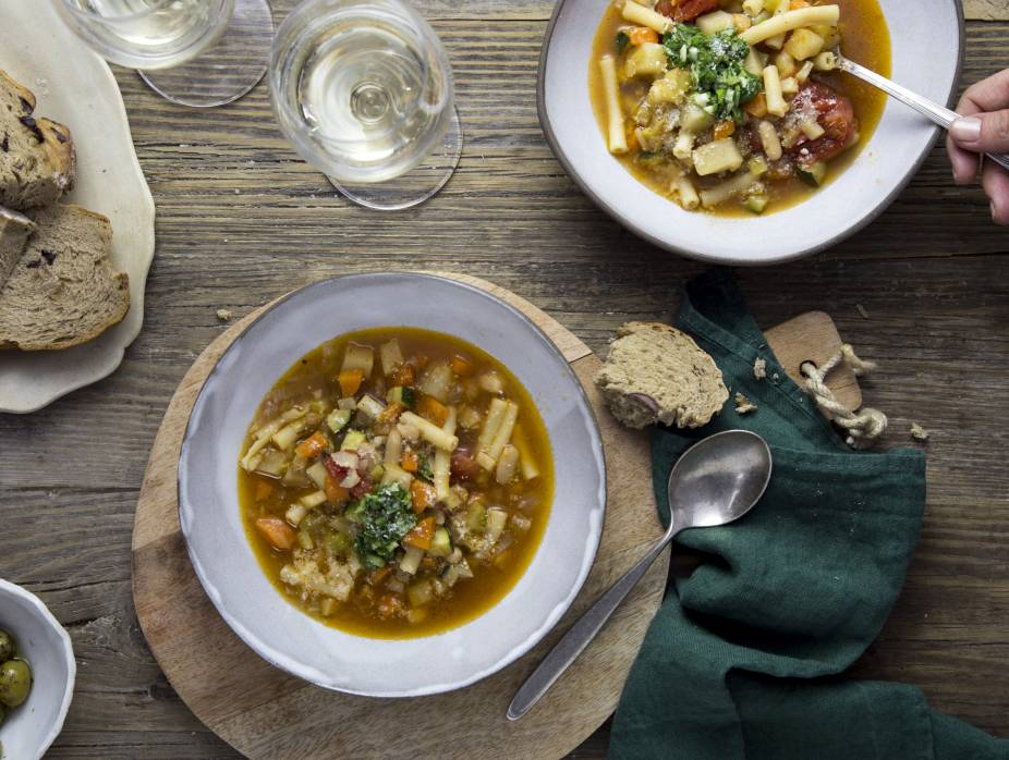 Out-of-this-World Minestrone Soup