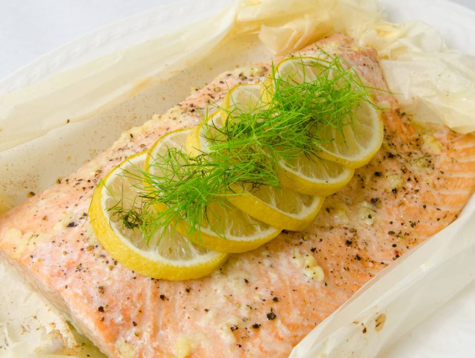 Salmon en Papillote with Garlic and Herbs