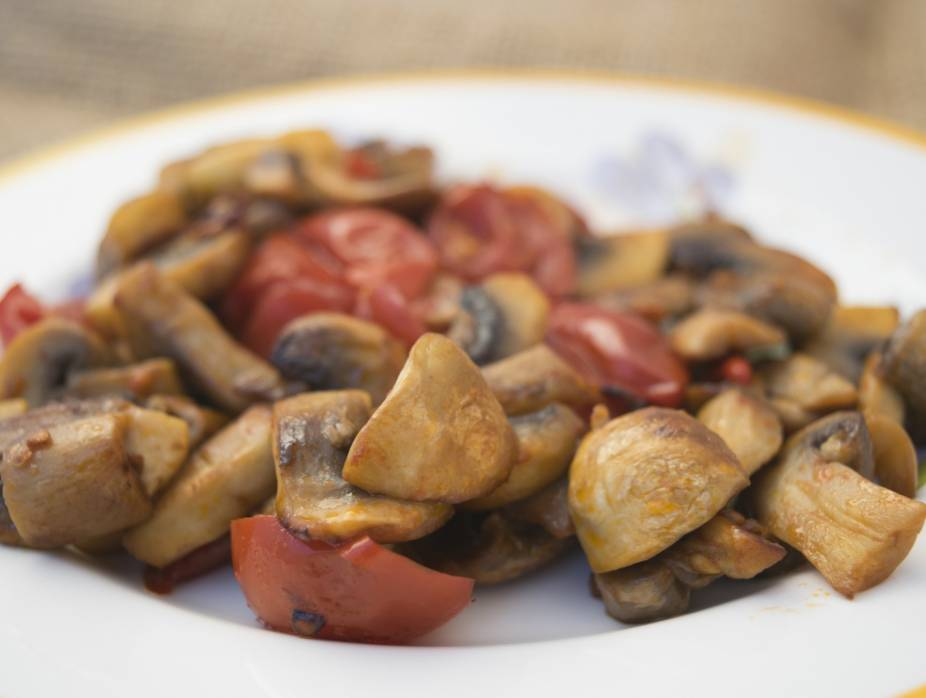 Romanian Mushrooms in Tomato Sauce (Fricasse de Ciuperci)