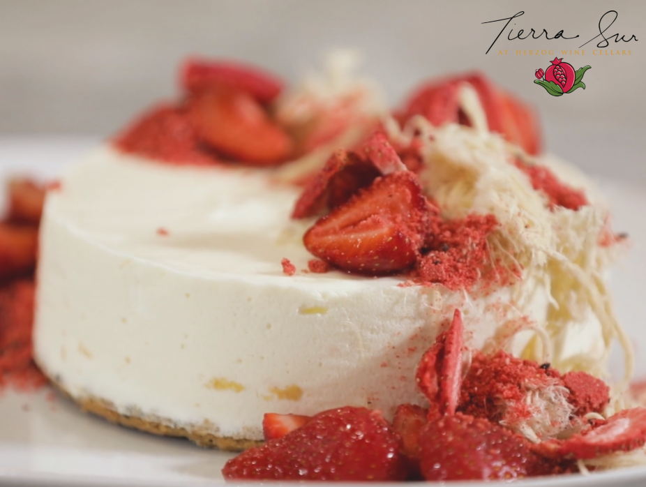How to make white chocolate strawberry mousse cake