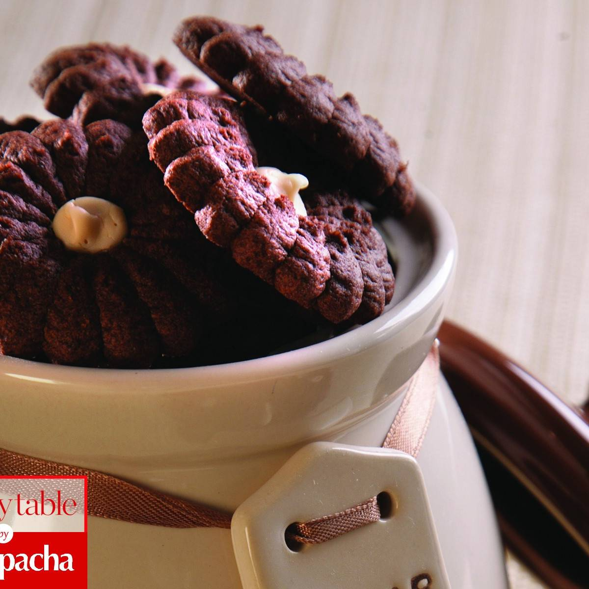 Homestyle Bakery Flower Cookies With Halvah Filling Recipes Kosher Com