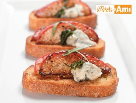 Caramelized Apple and Bleu Cheese Crostini