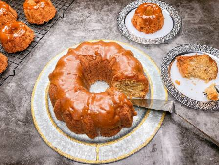Cookie Butter Apple Bundt
