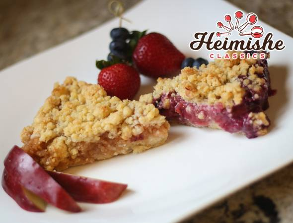 Apple or Blueberry-Strawberry Crumb Kugel