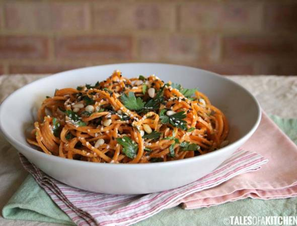 Carrot Pasta With a Creamy Zesty Garlic Sauce